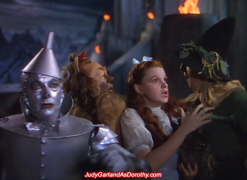 Judy Garland as Dorothy and the gang looking for a way out